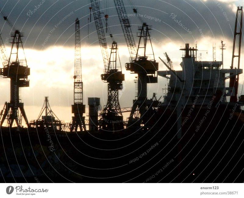 hafen Dock Hamburg Hafen Elbe Anlegestelle Regen Schiffswerft