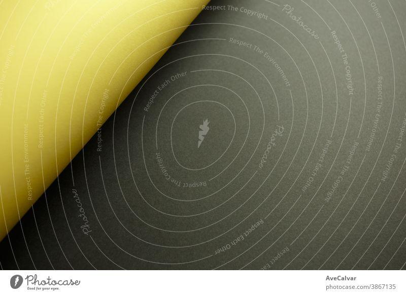 Gelber und schwarzer flacher Hintergrund mit Schatten und Kopierraum zum Ausfüllen mit einer Botschaft verblüht horizontal Schichten Pergament Minimalismus