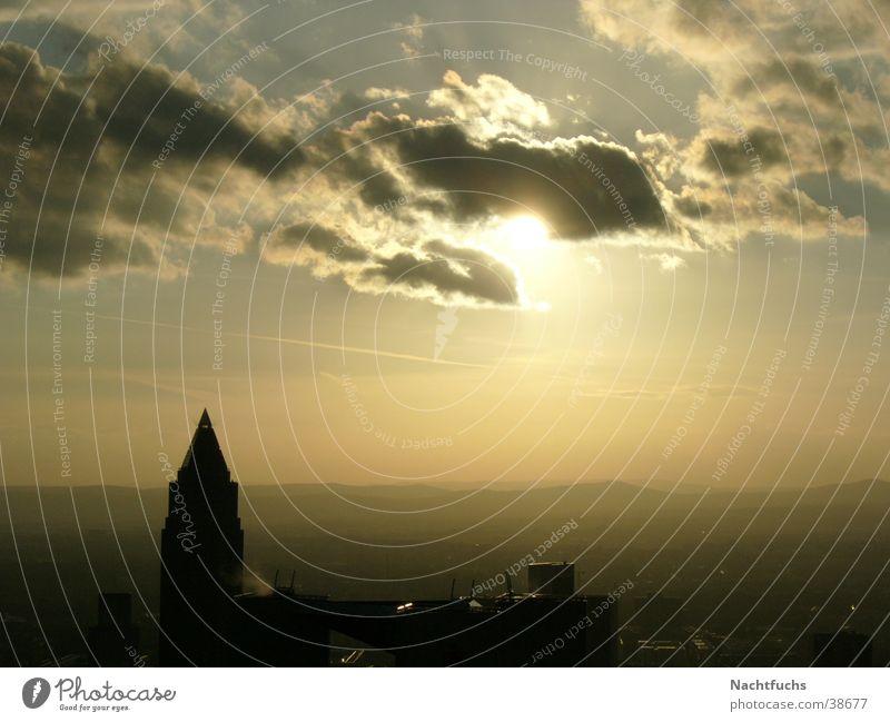 Sonne hinter der Wolke! Wolken Maintower Himmel