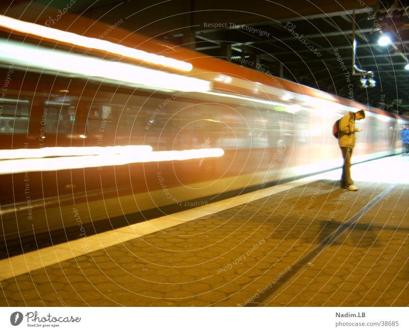 Subway S-Bahn Verkehr Hauptbahnhof langzeitbelichtungm Eisenbahn Hamburg