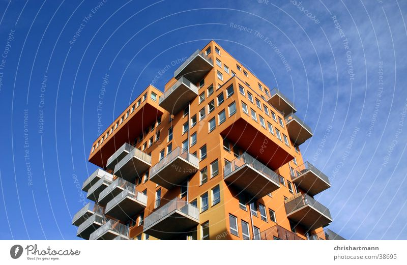 Hochhaus Haus Stil orange Architektur Balkon Architekt