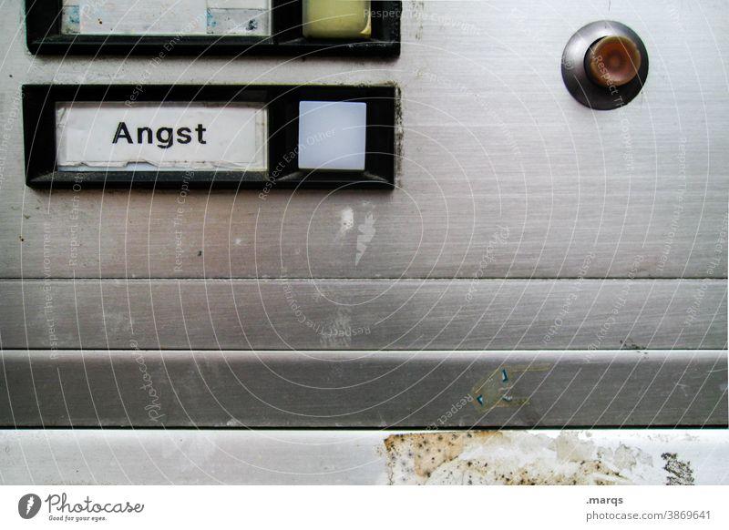 Trigger Angst Klingel Klingelknopf Panik Psychologie Psychische Störung Klingelschild Schriftzeichen