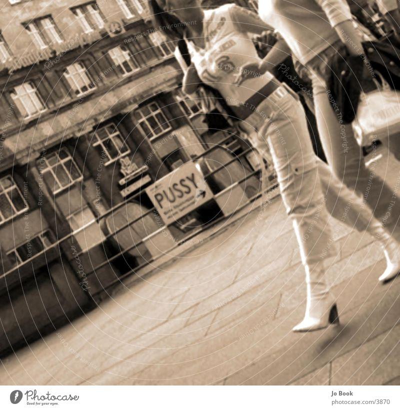 walking gehen Mensch Frau Bewegung Mode