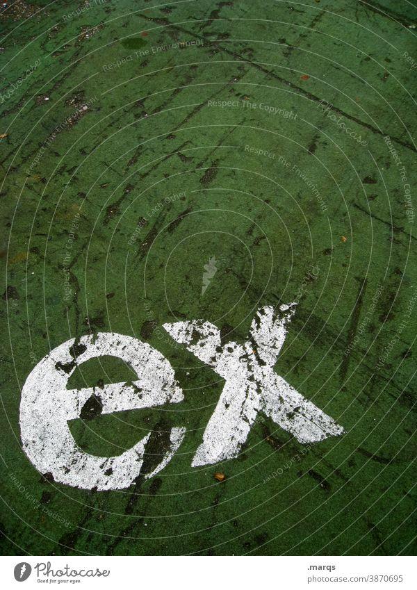 ex Schriftzeichen Buchstaben grün weiß Bodenbelag Kommunizieren Typographie ehemalig