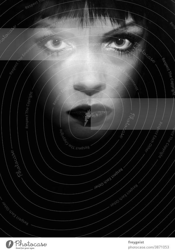 Frau in schwarz weiß mit Grafikelementen Porträt Schwarzweißfoto schwarzhaarig grau Menschen Gesicht emotion Smokey eyes Augen Nase Mund Haare & Frisuren Lippen