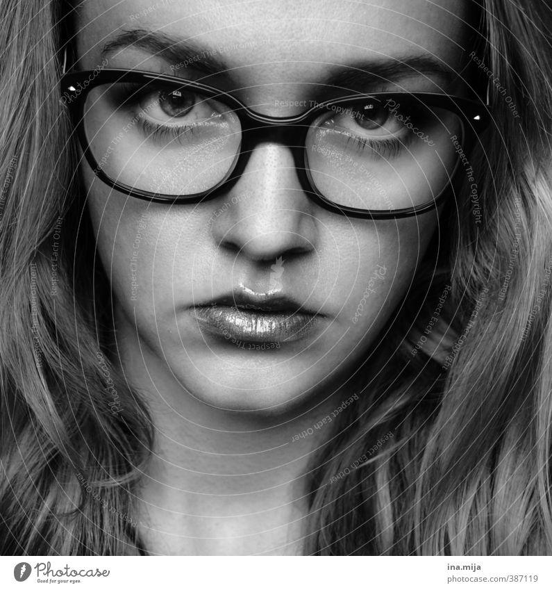 B-| Mensch Jugendliche schön Junge Frau Erwachsene Gesicht Auge 18-30 Jahre feminin Mode Haut Brille beobachten verfaulen Schmuck Schminke