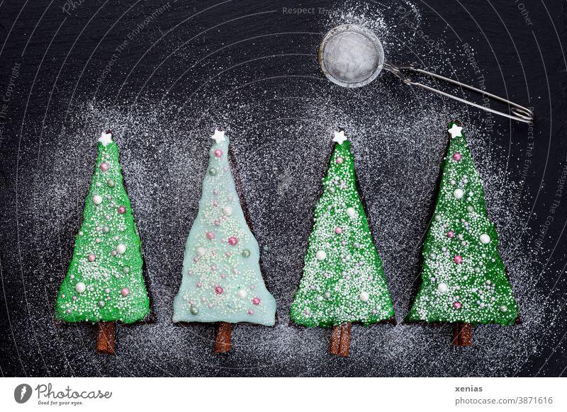 700. / Vier Tannenbäume mit Zuckerguss, Puderzucker und Mond Weihnachten Tannenbaum backen Kuchen Weihnachten & Advent xenias 4 Baum grün