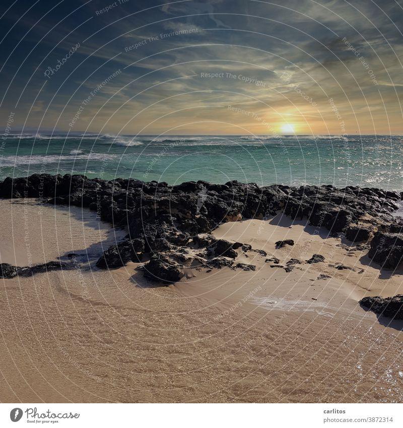 Fuerteventura | Stürmische See am Weststrand (El Cotillo Beach) Spanien Kanaren Los Lagos Strand Meer Ozean Atlantik Sturm Wellen Sonnen Sonnenuntergang Türkis