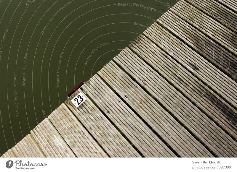 Geheime Botschaft Wellen Sommer Küste Seeufer Flussufer Ostsee Teich Brücke Hafen Jachthafen Holz Zeichen Schriftzeichen Ziffern & Zahlen
