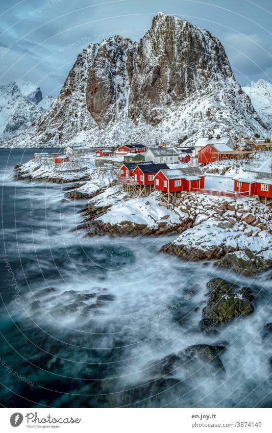 Winter auf den Lofoten Hamnøy Skandinavien Ferien & Urlaub & Reisen Felsen Reine Norwegen Rorbuer Tourismus Fischerhütte Fjord Hütte Ferienhaus Berge u. Gebirge