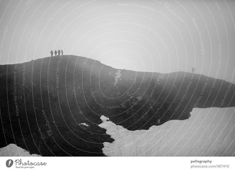 Nachzügler Mensch Natur Jugendliche Ferien & Urlaub & Reisen Wolken Erwachsene Ferne Berge u. Gebirge 18-30 Jahre Schnee Leben Freiheit Felsen Freundschaft