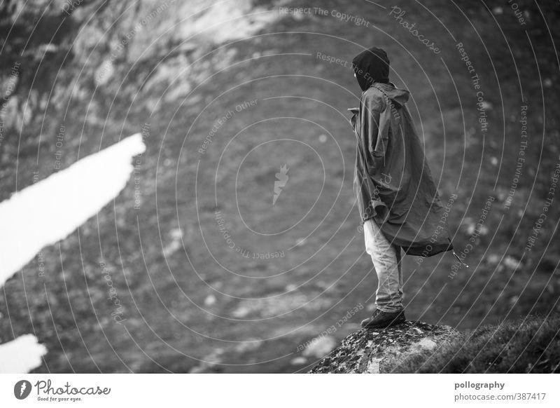 auf der lauer Ferien & Urlaub & Reisen Ausflug Abenteuer Ferne Freiheit Berge u. Gebirge wandern Mensch maskulin Junger Mann Jugendliche Erwachsene Leben Körper