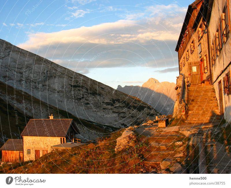 Sonnenaufgang am Watzmannhaus Haus Physik Morgen Berge u. Gebirge Wärme Morgendämmerung Alpen