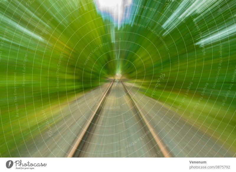 Zuggleise kreativ mit Verzerrungen fotografiert Fälschung Verwerfung harmonische Verzerrung lineare Verzerrung Verrenkungen Fotografie Fotokunst Fotokünstler