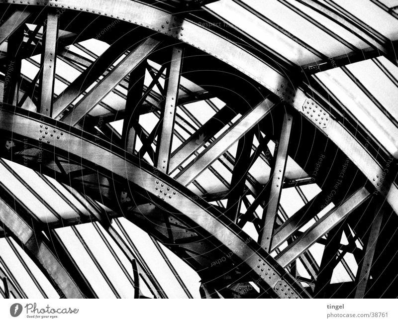 Hamburg HBF Architektur Stahl Bahnhof Konstruktion Stahlträger