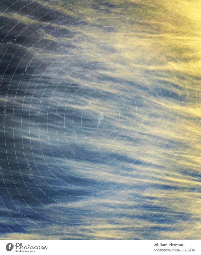 Behagliche Wolken Wolkenhimmel Freude leuchten abstrakt Licht Außenaufnahme Himmel Farbfoto Menschenleer Lichterscheinung lebhaft mehrfarbig Umwelt
