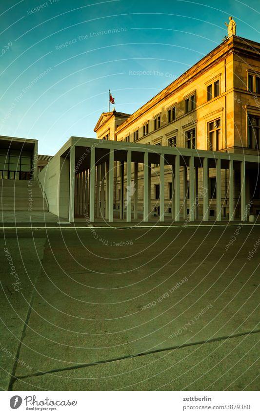 Nationalgalerie mit James-Simon-Galerie abend altes museum architektur berlin berliner dom city deutschland dämmerung froschperspektive hauptstadt himmel