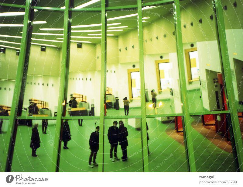 Spiegelhalle Mensch Architektur Lagerhalle Reflektion