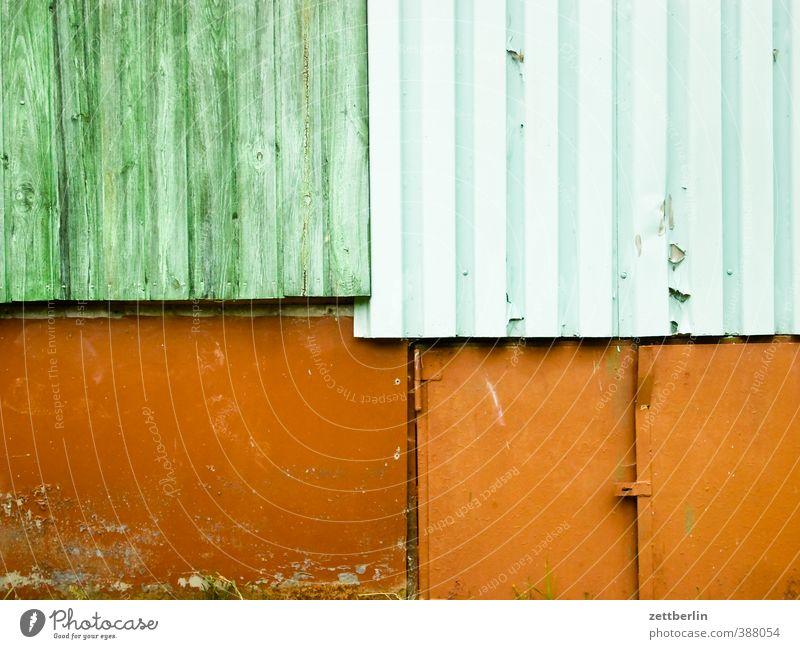 Vier Textfreiräume Ferien & Urlaub & Reisen Fahrradtour Häusliches Leben Natur Dorf Kleinstadt Haus Hütte Bauwerk Gebäude Architektur Mauer Wand Fassade Holz