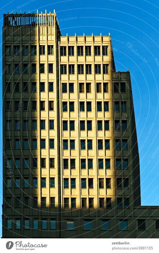 Beisheim Center am Potsdamer Platz, Berlin abend architektur beisheim center berlin büro city deutschland dämmerung froschperspektive hauptstadt haus himmel
