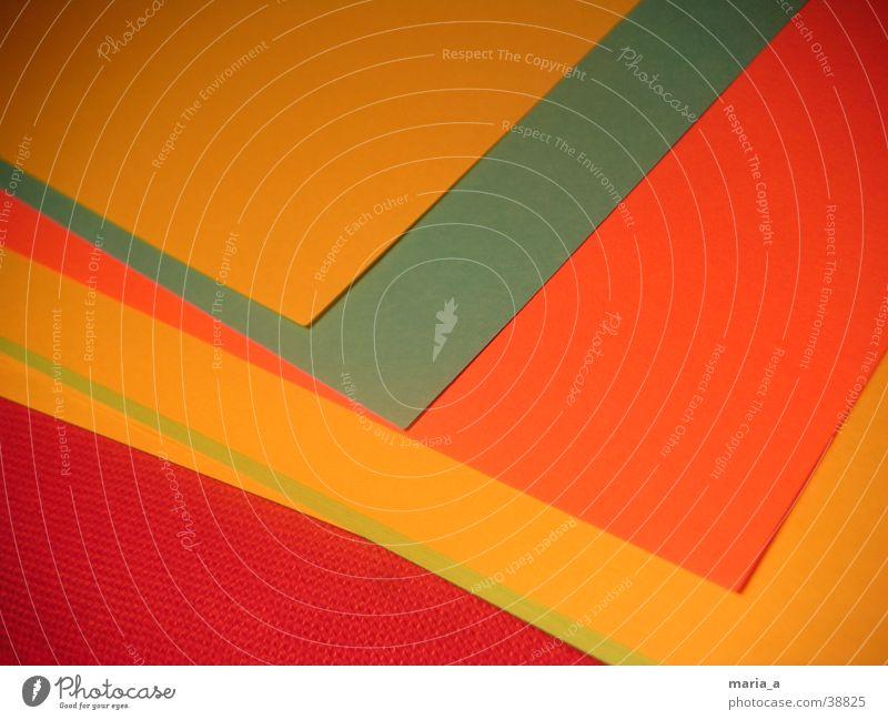 buntes Papier mehrfarbig rot gelb grün Dinge orange blau