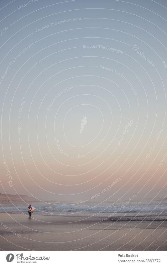 #A0# Surftag an der französischen Küste Frankreich Surfen Surfer Surfbrett Surf-Wellen Abendstimmung Urlaub Urlaubsstimmung Abenddämmerung Meer Strand Sport