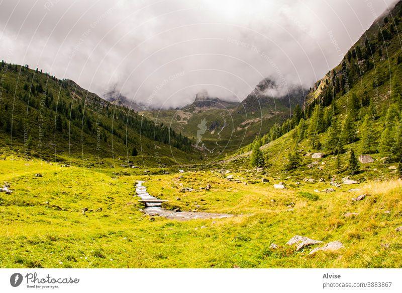 Ströme in den Südtiroler Alpen zwölf Österreich Tirol strömen szenische Darstellungen Szene fließend fallen Aufstieg Mut gefährlich Gipfel Sport Trekking