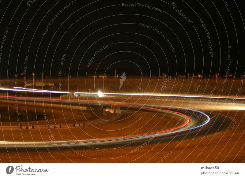 24h-Race Oschersleben_2 Langzeitbelichtung dunkel Geschwindigkeit braun Farbe
