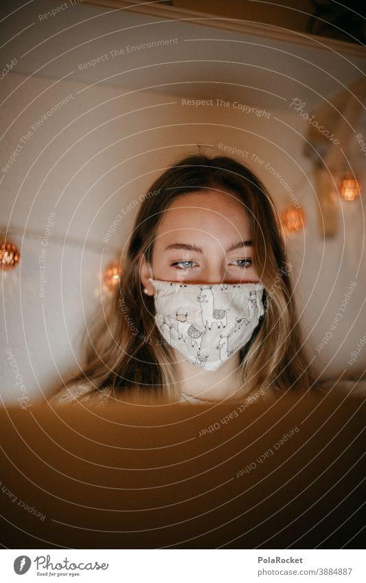 #A10# Homeoffice zu Zeiten der Corona-Krise um die Weihnachtszeit, da hilft auch keine Lichterkette Angst studieren Student Gefahr Bakterien medizinisch