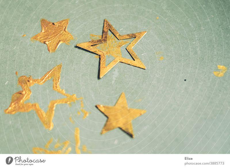 Goldene Sterne auf türkisem Hintergrund. Weihnachtskarten basteln. Weihnachten blau golden Farbe stempeln weihnachtlich Weihnachten & Advent