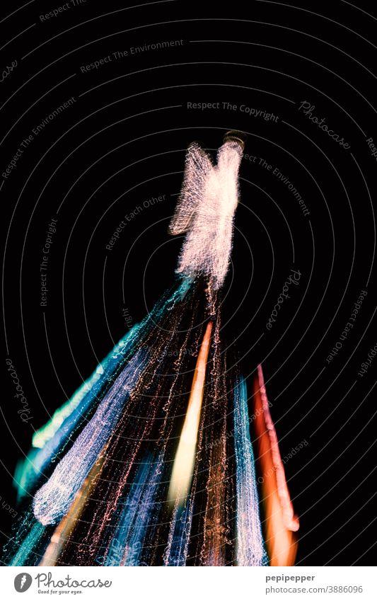 Größter Weihnachtsbaum in Dortmund mit Zoom-Effekt fotografiert Nacht Bokeh Detailaufnahme Unscharf Außenaufnahme Hochformat Keine Personen Langzeitbelichtung