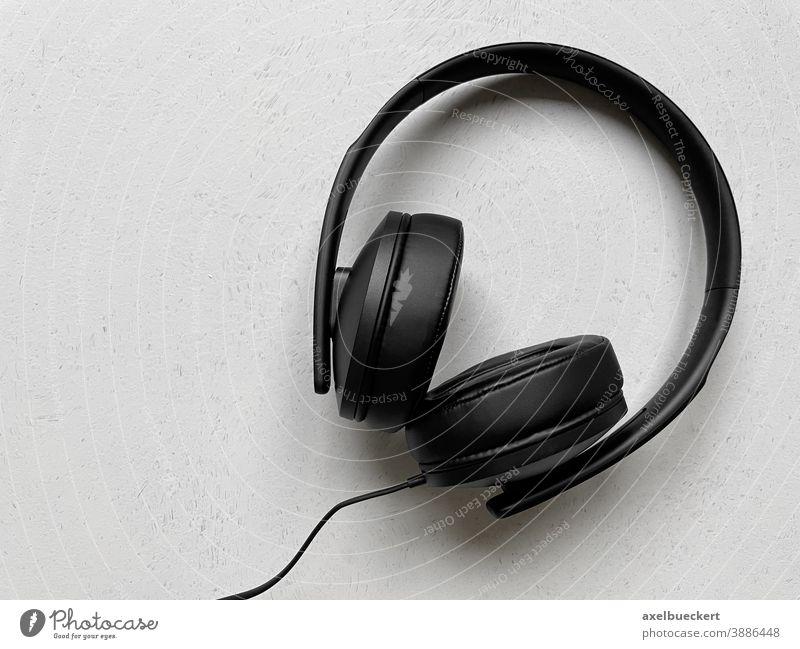 Kopfhörer Musik Hintergrund mit Textfreiraum hören über-Ohr Audio schwarz Klang Technik & Technologie modern Kabel stereo niemand Entertainment Objekt Medien