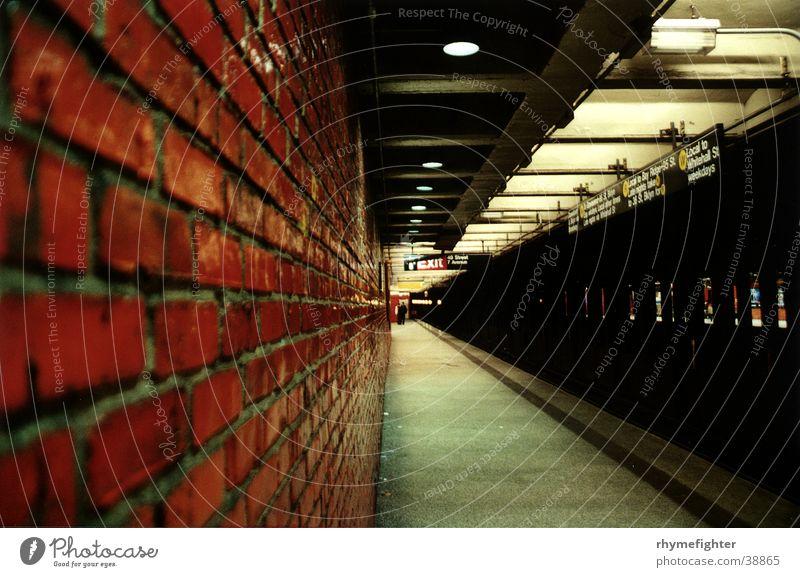 NYC Metro Mauer Verkehr Station U-Bahn New York City