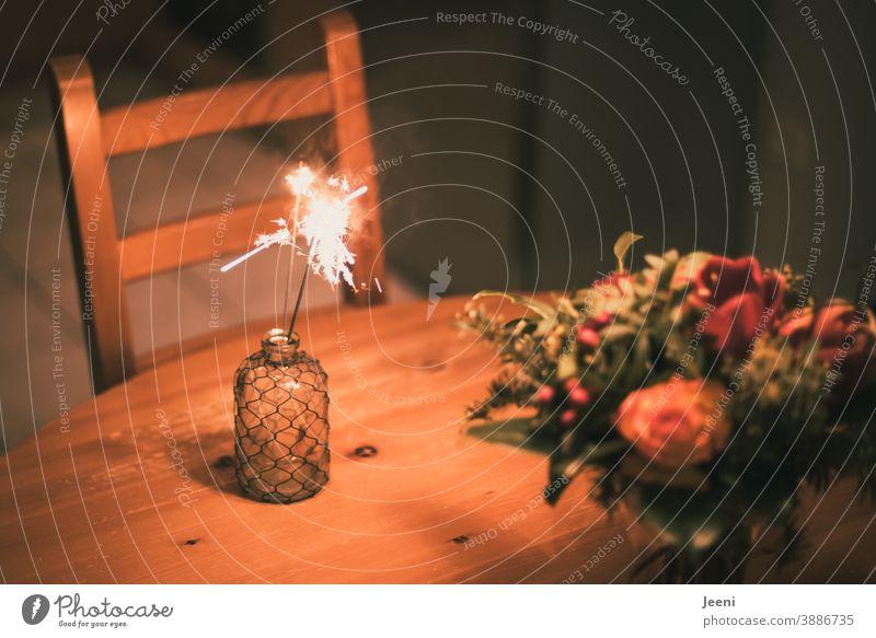 Happy Birthday Photocase | Ich hoffe ich komme nicht zu spät - aber die besten Gäste kommen zum Schluss ;-) Geburtstag Geburtstagsfeier Blumenstrauß Wunderkerze