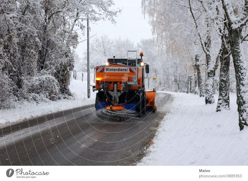 Winterdienst frost industrial machine sand transport winter Schneesturm Auto Stadt sauber Reinigung Lichtung Klima Kälte Enteisung Ausrüstung gefroren Eis
