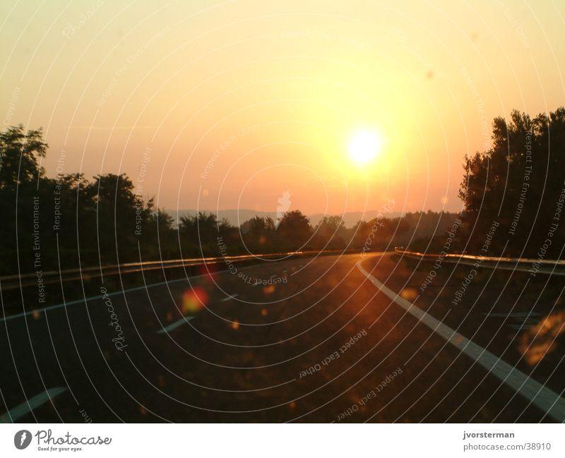 The road to Pisa Autobahn Verkehr morning sun