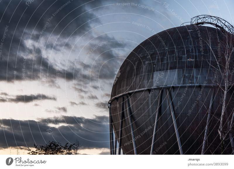 Gaskugel Erdgas Kugel Metall Himmel Wolken Dämmerung Industrie Umwelt Energie Technik & Technologie Tank Rohstoffe & Kraftstoffe Energiewirtschaft Energiekrise
