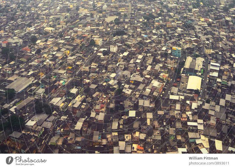 Favelas Brasilien Shanty Rio de Janeiro Armut überbevölkert Südamerika Außenaufnahme Landschaft Panorama (Aussicht) Farbfoto Häusliches Leben Depression