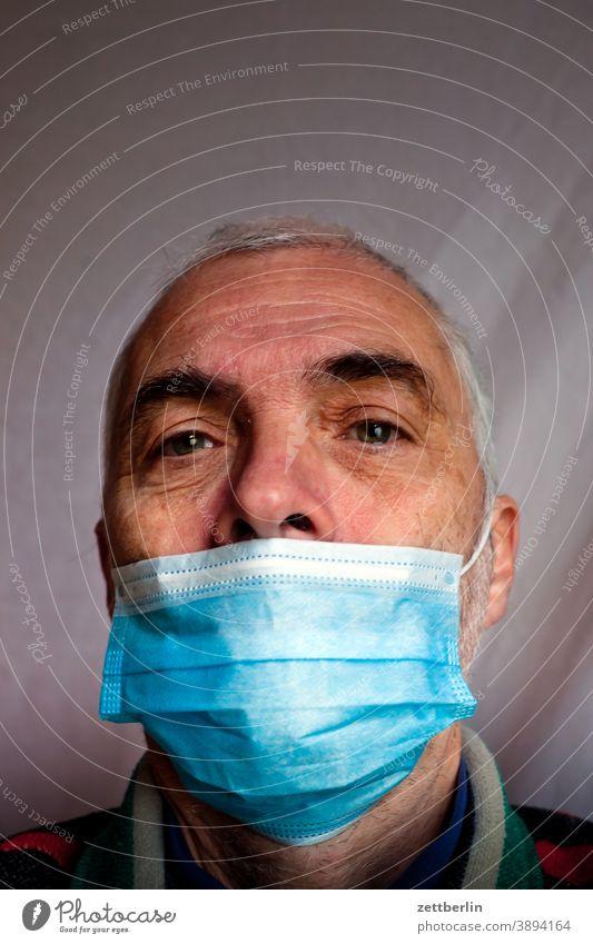Mundbedeckung auge corona coronaleugner covid covid 19 gesicht gesundheit gesundheitsschutz maske maskerade mund nase nasenbedeckung portrait sars cov sars cov2