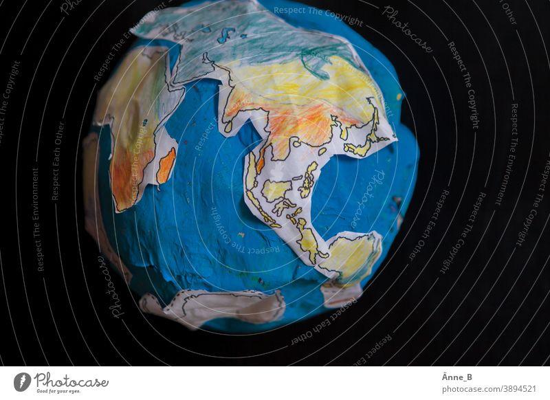 Globus aus Papier II Erde Kontinente Afrika Nordamerika Südamerika Asien Europa Meer Ozean Kugel Pappmaché Bastelmaterial Basteln Kinderzimmer Kunstunterricht