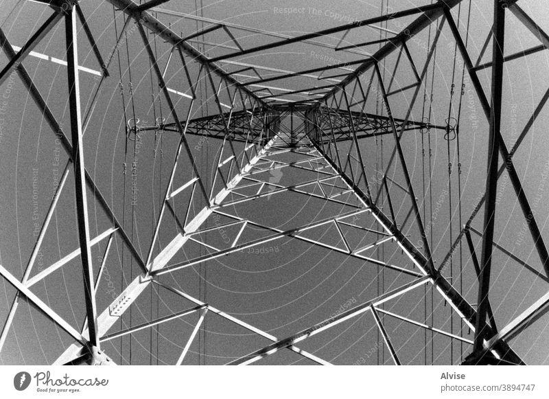 Sternsäulen und Himmel Ständer Elektrizität Kraft Industrie elektrisch Energie Maschinenbau hoch Linie Spannung Technik & Technologie Turm Konstruktion Struktur