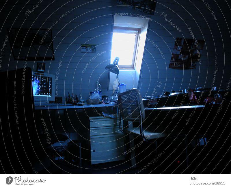 raum blau Raum Wohnung frisch Häusliches Leben Dachfenster