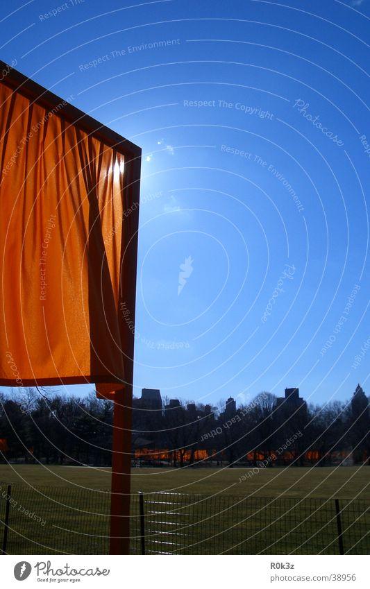 theGates New York City Safran Wiese Ausstellung Himmel orange christo