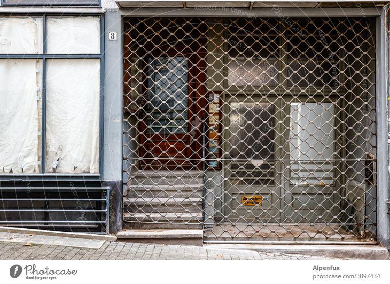Lockdown light/medium/deluxe Einzelhandel geschlossen pleite bankrott Geschäft Ladengeschäft geschäftsaufgabe Krise corona schließen Coronavirus Leerstand