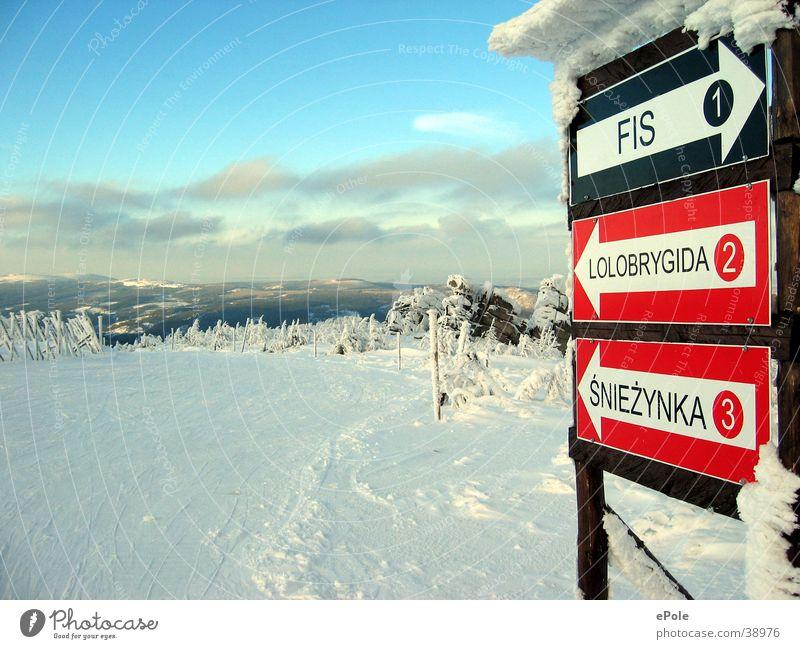 Auf die Piste Himmel Schnee Berge u. Gebirge Wegweiser Skipiste