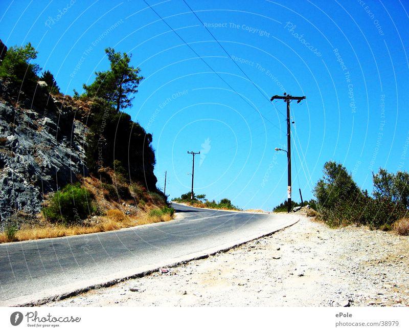 Bergauf aufwärts Berge u. Gebirge Wege & Pfade Straße Blauer Himmel
