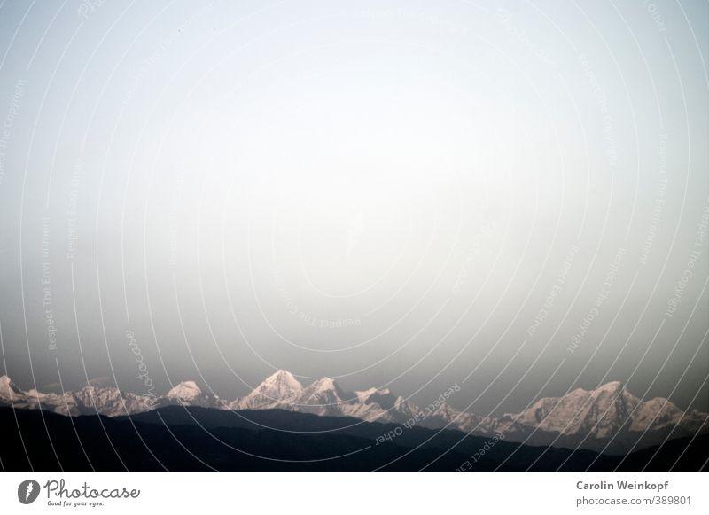 Himalaya. Landschaft Himmel Wolkenloser Himmel Horizont Schönes Wetter Berge u. Gebirge Gipfel Schneebedeckte Gipfel Nepal hoch Willensstärke Schneelandschaft