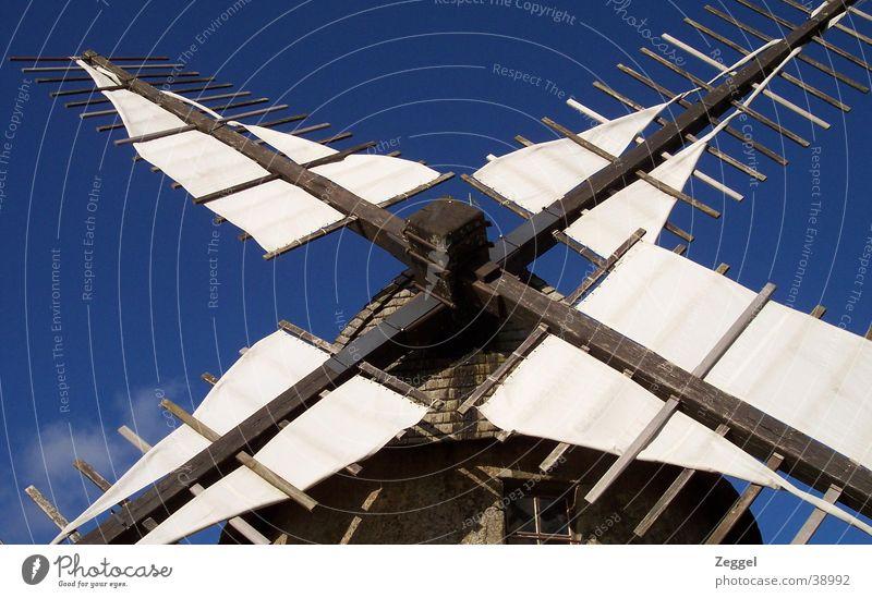 Moulin Windmühle Wolken Haus Himmel Architektur