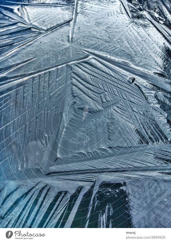 Knittrige Eisfläche natürlich kalt Frost Winter Natur Strukturen & Formen Außenaufnahme Vogelperspektive Kontrast Knittrih abstrakt gefroren knittrig