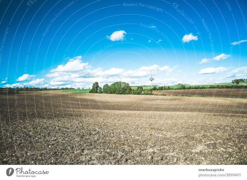 Ackerlandschaft Landwirtschaft Ackerbau Ackerboden fernsicht Aussicht Natur wandern Tourismus Nachhaltigkeit Oberfranken Bayern